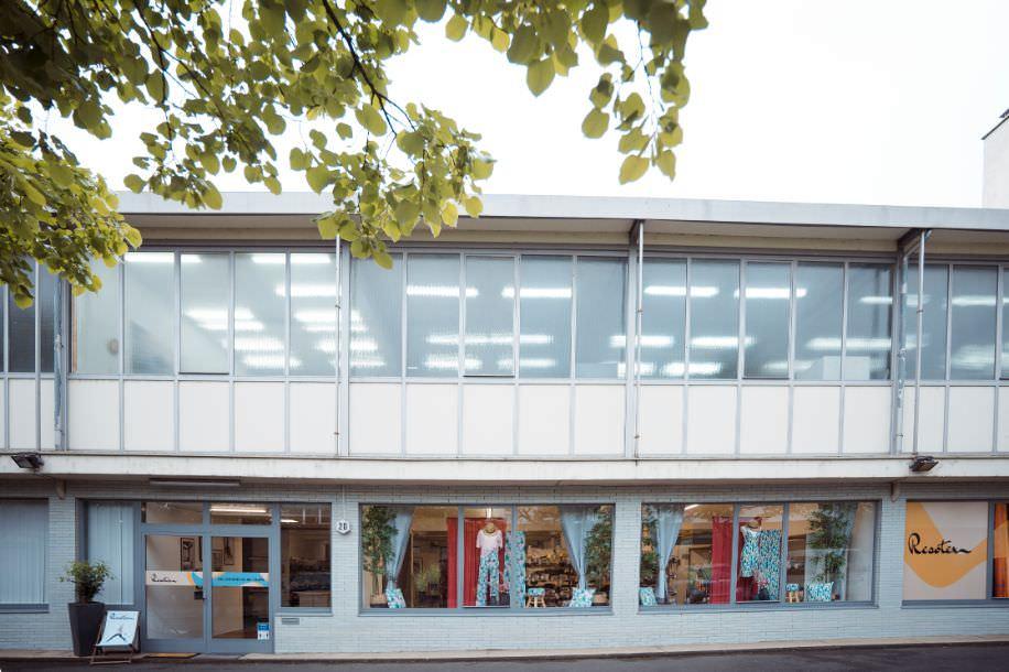 Das Resotex Lager von Außen: Hier finden Sie den besten Lagerverkauf für Stoffe in Aschaffenburg
