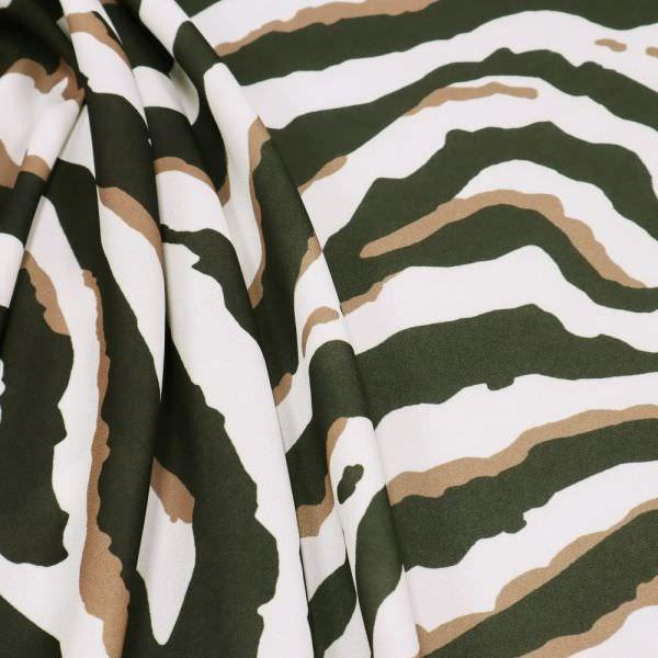 Crêpe mit Tiger-Muster - wollweiss/hellbraun/dunkelgrün