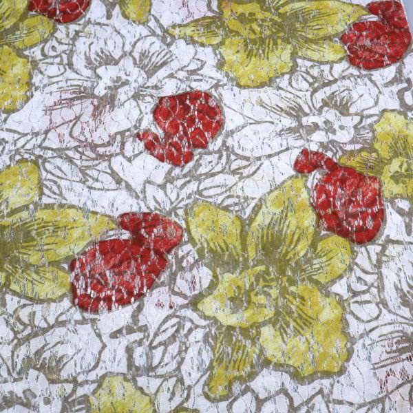 Spitze mit Blumen-Motiv - weiss/rot/ocker