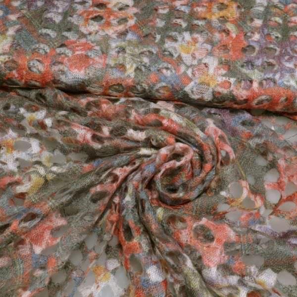 Strick mit Blumen&Lochmuster - wollweiss/rot/orange/schilfgrün